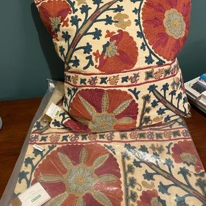 NWT Pottery Barn Rozelle Embroidered Pillow Covers